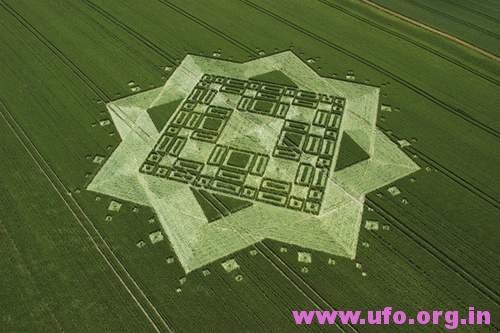 大八角星的英国麦田怪圈Alton Priors威尔特郡03/07/05的图片