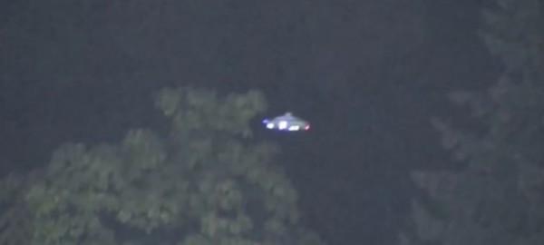 外星人也爱看棒球赛?加拿大职业棒球赛上空惊现UFO的图片