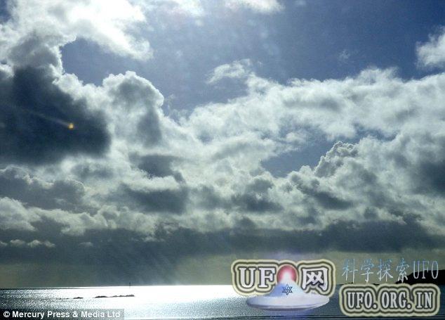 英国摄影爱好者拍到神秘UFO物体的图片