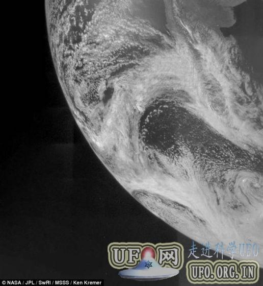 朱诺探测器传回首幅地球照片:2016年抵达木星的图片 第1张