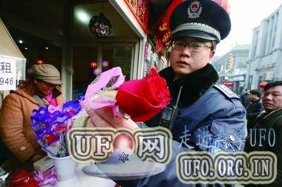 中科院专家:情人节街头卖的玫瑰 其实全是月季的图片