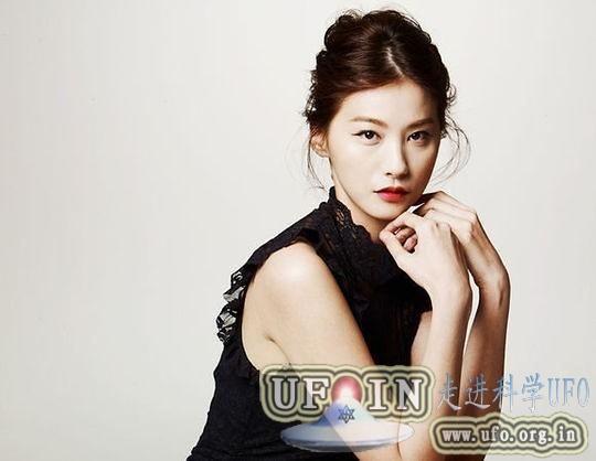 刘仁英客串《来自星星的你》与全智贤上演对手戏的图片