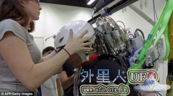 巴西瘫痪少年将穿脑控机械战甲为世界杯开球的图片 第3张