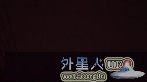 网友分享成功拍到北京上空出现的UFO视频(石家庄网友也同时目击)的图片