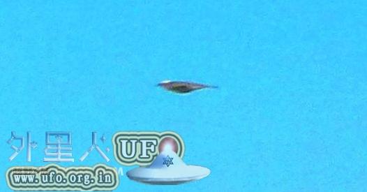网友分享2010年7月1日普陀山意外拍摄到UFO照片的图片