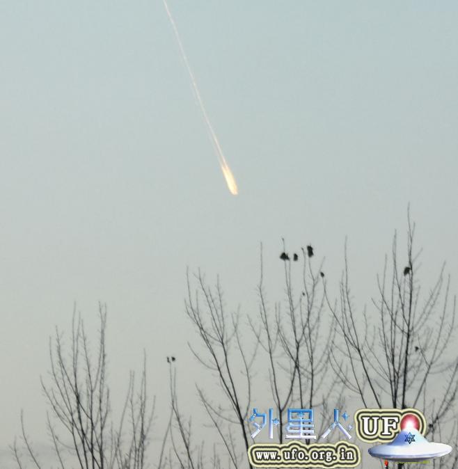 河南许昌上空惊现UFO,UFO轨迹有弧形(2013年11月27日)的图片 第1张