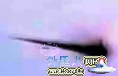 UFO击穿俄罗斯陨石事件是真的吗?俄罗斯陨石被UFO击穿真相 第5张