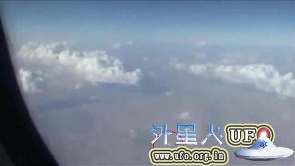 伊朗飞机乘客拍摄UFO 快速移动形如圆盘的图片 第6张
