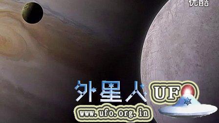 木星与木卫一之间的巨大的UFO母舰的图片