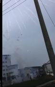 拍摄烟花发现一黑点高速飞过 难道是传说中的UFO光临扬州? 第3张