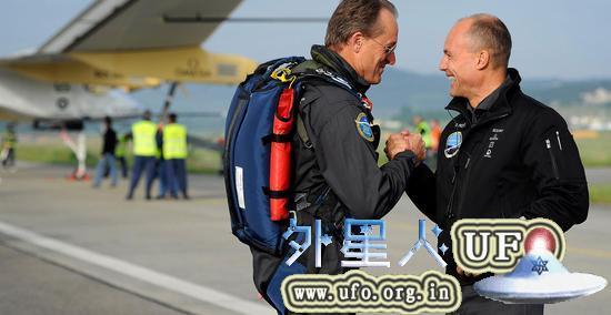 阳光动力两名联合创始人及飞行员波特兰·皮卡德和安德烈·波许博格 第2张