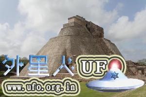 墨西哥乌斯马尔古城:玛雅魔法师金字塔 第1张