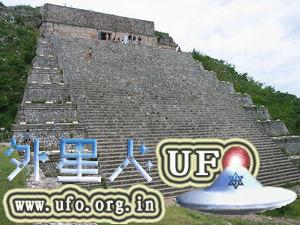 墨西哥乌斯马尔古城:玛雅魔法师金字塔 第2张