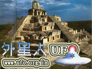墨西哥坎佩切遗址:埃兹那金字塔