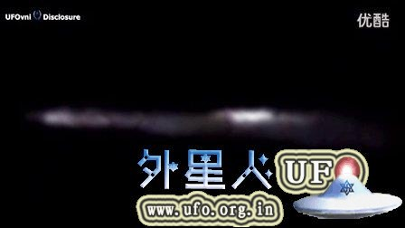 俄罗斯圣彼得堡上空陨石坠落时拍到UFO