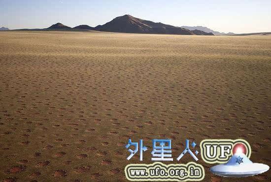非洲荒漠现神秘精灵怪圈裸点 疑似UFO降落点
