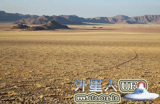 非洲荒漠现神秘精灵怪圈裸点 疑似UFO降落点 第5张