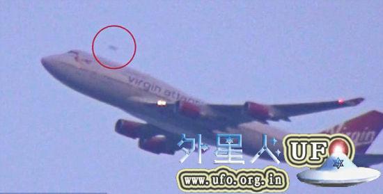 UFO惊现美国纽约肯尼迪机场 速度超客机