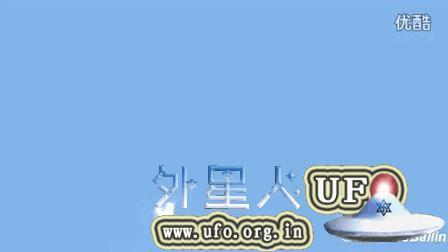 2015年8月23日多伦多白色多光球组成的UFO的图片