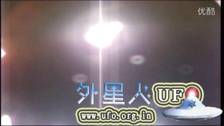 2015年8月28日国际空间站拍到巨大奇怪的UFO发光物的图片
