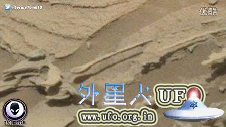 火星上发现巨大汤勺样悬空UFO(注意地上阴影)的图片