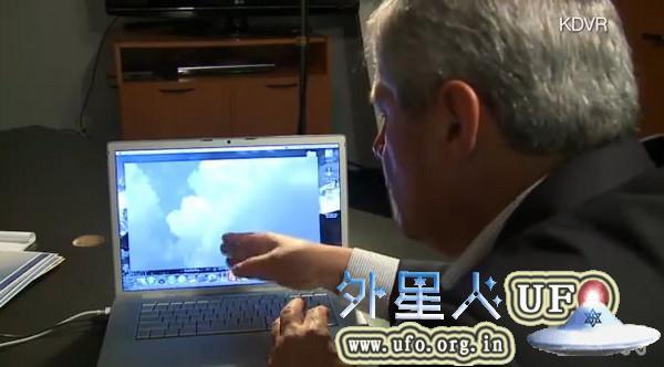 美国丹佛市惊现UFO电视台成功拍到20121116关键时刻的图片 第2张