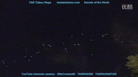 2015年10月16日夜空无数UFO发光物的图片
