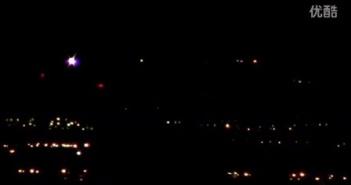 2015年10月25日美Nellis空军基地上空大量彩色光点光球UFO拉斯维加斯的图片