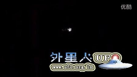 2015年11月21日新墨西哥州多个暗条光球UFO的图片