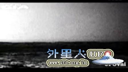 2015年11月20日火星探测器拍到2个UFO的图片