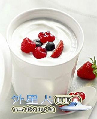 不同时间喝酸奶功效不同 几点喝最养生的图片