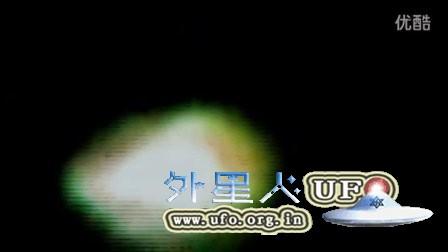 2015年11月26日纽约感恩节三角形发光UFO的图片