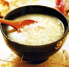 喝粥食疗注意5点 不同人群喝粥进补方法不同的图片