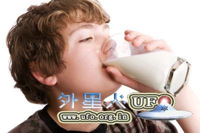 牛奶能增肌肉 美最新总结饮料喝对了治小病的图片