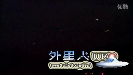 2015年12月15日四组16个UFO在智利圣地亚哥上空徘徊的图片
