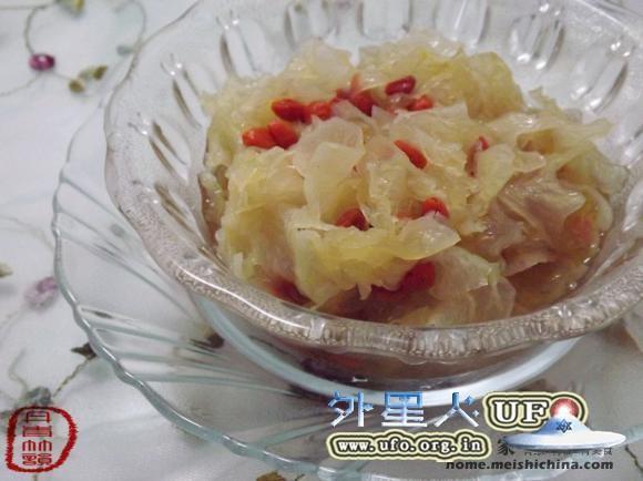 银耳枸杞汤的图片 第2张