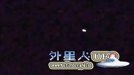 2015年1月3日加州白色发光UFO的图片