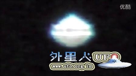 2015年12月31日巴塞罗那蓝色经典碟状UFO(放大)的图片