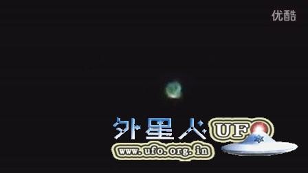 2016年1月2日彩色环形发光UFO的图片