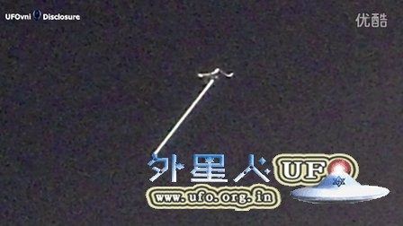 2016年2月4日爱尔兰奇特长形发光UFO&多个光点UFO的图片