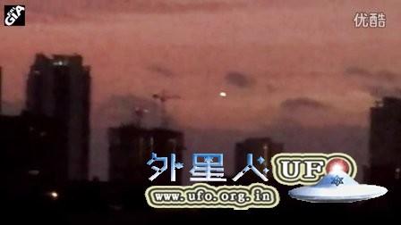 2016年2月9日佛罗里达发光UFO间断发强光的图片