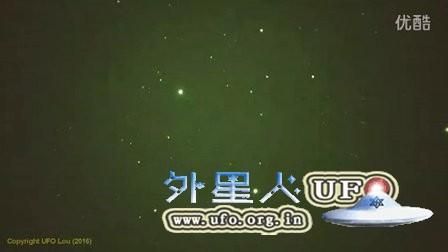 2016年1月12日夜空多个移动发光UFO的图片
