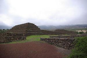 西班牙瑰玛金字塔Piramides de Guimar的图片 第2张