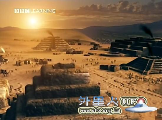 秘鲁发现早期古代金字塔遗址的图片 第2张