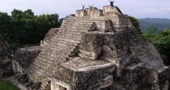 伯利兹(贝里斯):卢巴安敦金字塔的图片