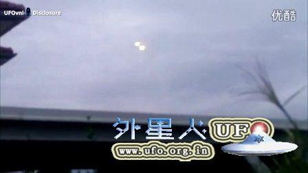 奥地利Graze2个大的光球UFO融合后迅速消失的图片
