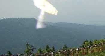 2012年7月8日凤凰山UFO事件视频:形如天宫一号的图片