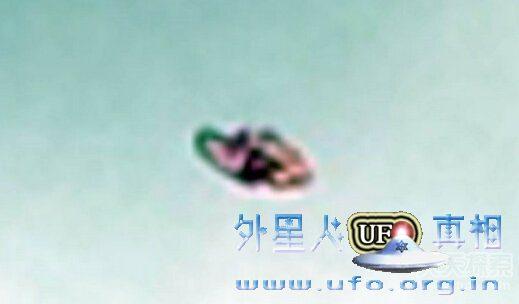 美国加州内华达县UFO正在吸取水库的水的图片 第2张