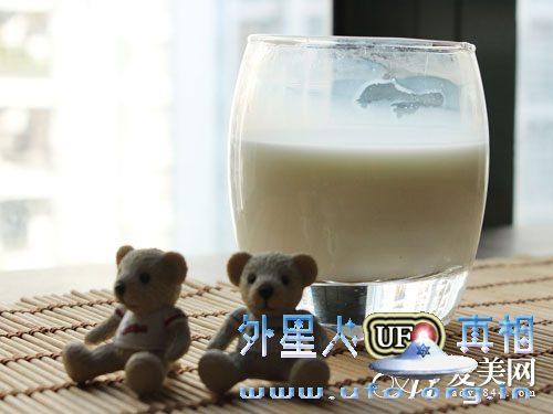 牛奶越浓越有营养? 喝牛奶 别陷入这10误区的图片 第2张