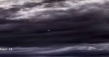惊人的UFO外星飞船出现在德国8月31日2016年100%实物的图片